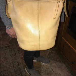 VNT Coach bleeker beige/tan duffle bucket purse